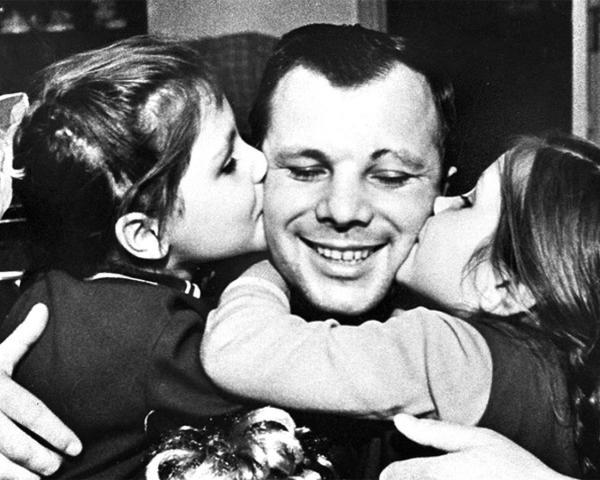 ВСочи открылась выставка уникальных фотографий сизображением Юрия Гагарина