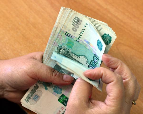 Настоящие доходы граждан России летом уменьшились до7% — Росстат