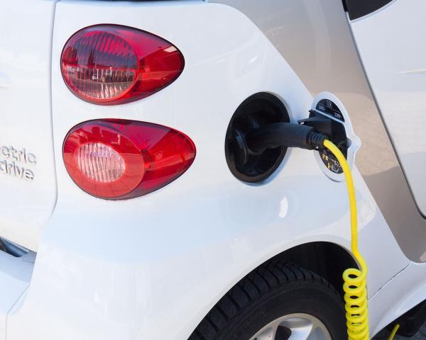Специалисты из«АВТОСТАТ» посчитали электромобили в Российской Федерации