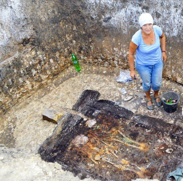 Археологи обнаружили вМостовском районе захоронение 2-х детей