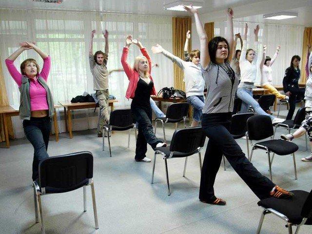 ОПпредлагает ввести занятия гимнастикой нарабочем месте
