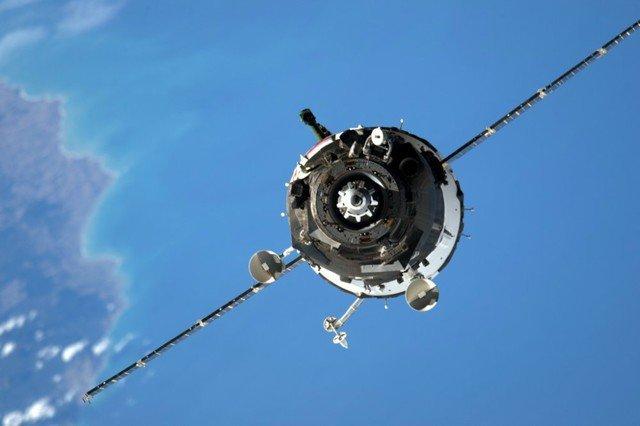 Экипаж, вернувшийся сМКС, эвакуировали изспускаемого аппарата