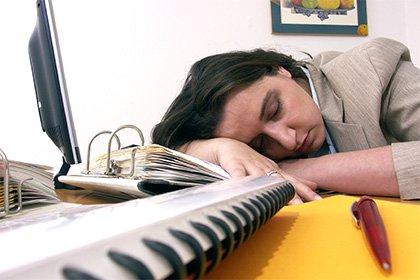 Ученые обнаружили, что недосып приводит кперееданию