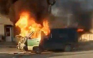 В Новороссийске сгорела машина с выпечкой