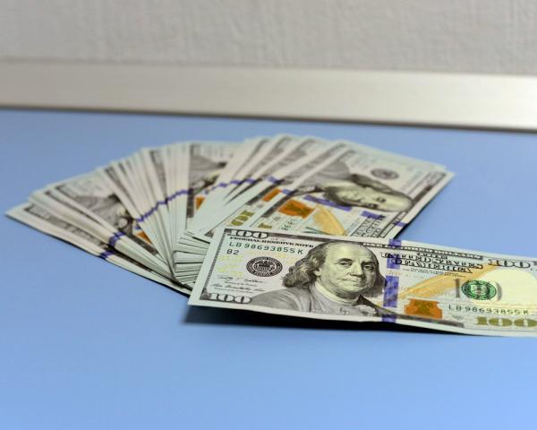 Ссамого начала года руб. подорожал кдоллару иевро