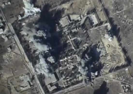 Русские летчики нанесли серию авиаударов потеррористам вДейр-эз-Зоре