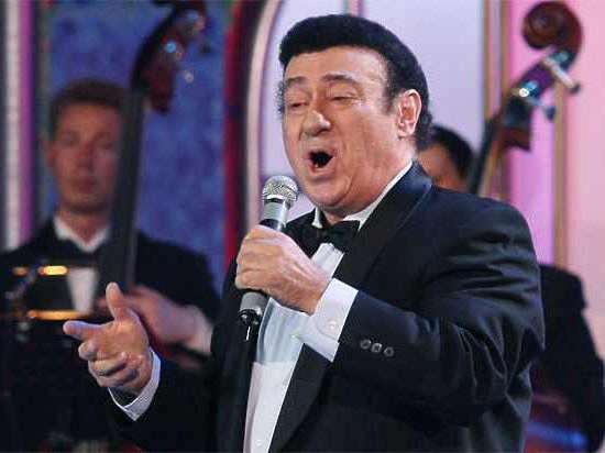 Путин иМедведев поздравили оперного певца Зураба Соткилаву сюбилеем
