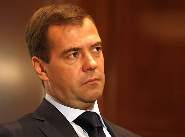 Медведев назвал взрыв вметро Санкт-Петербурга «общей болью»
