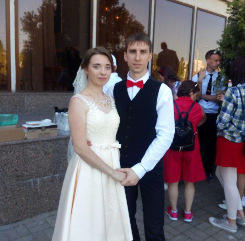 ВНовороссийске вкортеже велосипедной свадьбы ехали неменее 40 велосипедистов