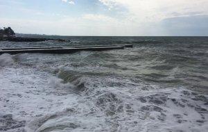 В Сочи в районе пляжа Красный штурм утонул человек