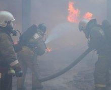 Пожарные предотвратили катастрофу под Красноярском, отстояв от пожаров химические объекты