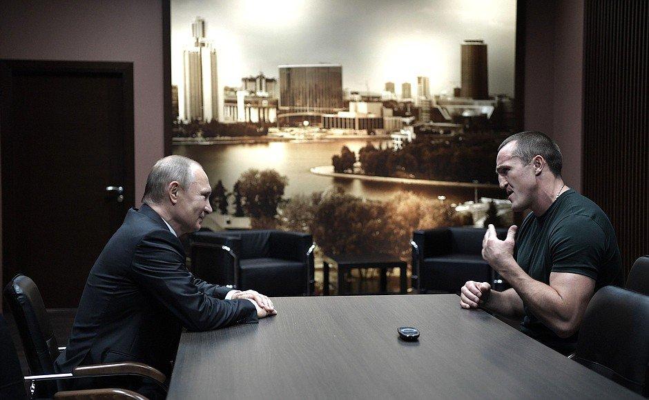 Русский боксер Лебедев защитил титул суперчемпиона мира поверсии WBA