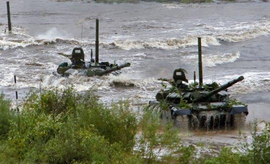 Больше 500 снарядов выпустили танкисты изпушек наполигоне Прудбой под Волгоградом