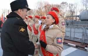 На борту корвета «Бойкий» состоялась церемония принятия школьников Калининграда в юнармейцы