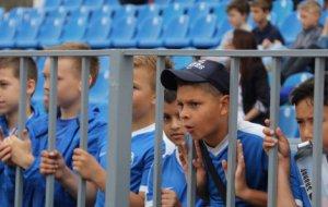 В Новороссийске открыли Х юбилейный турнир по футболу среди ветеранов
