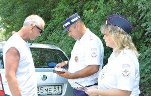 В Новороссийске госавтоинспекторы напомнили водителям о правилах использования детских удерживающих устройств