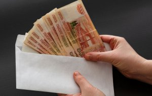 Названы города-лидеры России по уровню зарплат