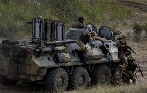 Военнослужащие Южного военного округа в Абхазии проводят контрольные тактические учения с боевыми стрельбами в ходе сдачи годовой проверки