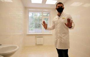В городской больнице Геленджика полным ходом идёт ремонт инфекционного отделения.