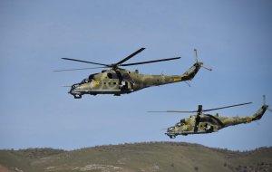 Летчики армейской авиации  приступили к полетам в горах Армении