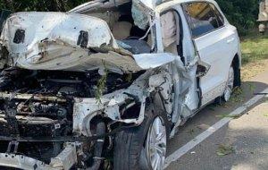 В Краснодарском крае 57-летний водитель погиб, врезавшись в дерево
