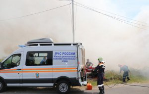 Ночью спасатели эвакуировали жильцов пятиэтажного дома в связи с утечкой газа из газгольдера