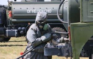 Последствия ЧС, вызванной аварией на химзаводе, ликвидируют войска химзащиты на спецучении