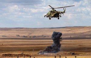 Военные летчики России и Армении уничтожили колонну бронетехники условного противника