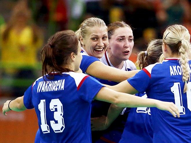 Женская сборная Российской Федерации, уступая семь мячей, обыграла Южную Корею наОлимпиаде